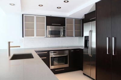 Fairy White™ Quartz Kitchen